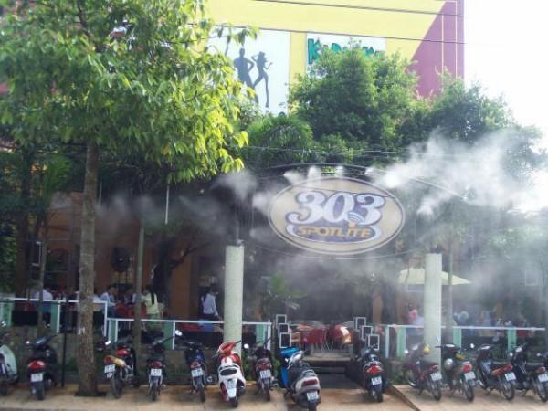 phun-suong-tao-am-quan-cafe